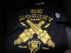 GAS MONKEY GARAGE(LIGHTNING PLUGS Tシャツ) 新品